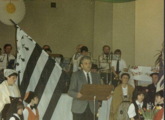 1987_c_charte_lapout_01
